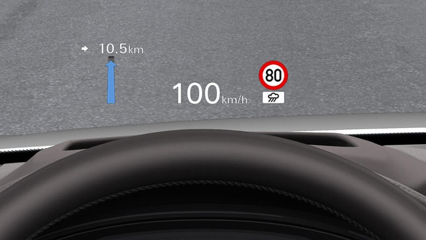 Виртуальная приборная панель Audi virtual cockpit и предлагаемый в качестве опции проекционный дисплей предоставляют водителю Audi RS 4 Avant всю важную информацию.